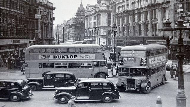 history of taxis in wokingham, uk