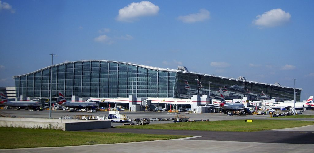 Airport Taxi Transfers from Wokingham to Heathrow