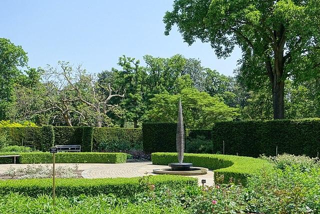 50 things to do in berkshire - savill gardens